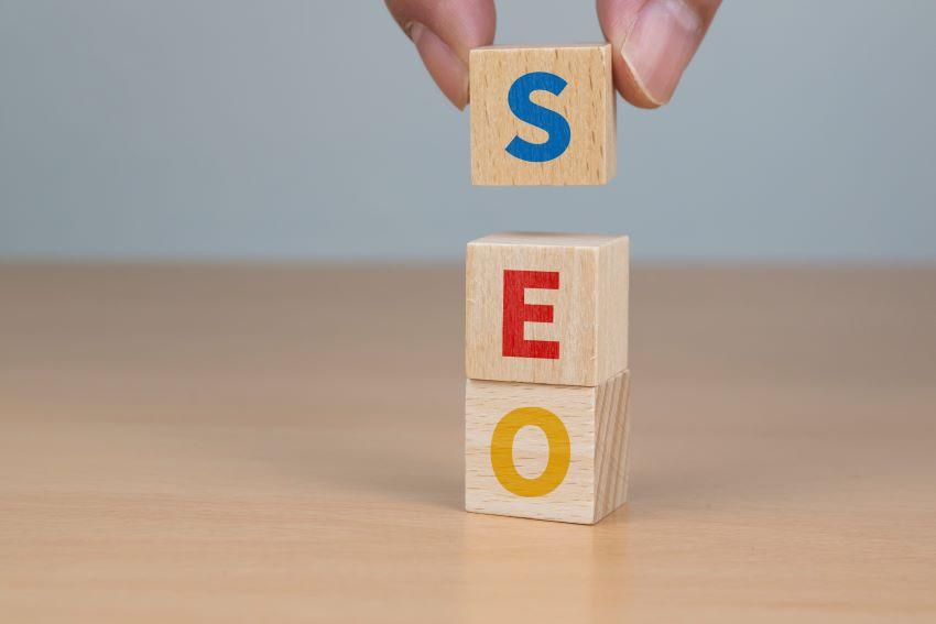 Vamos a conocer qué tipos de SEO existen y cuál es el más adecuado según tu sitio web