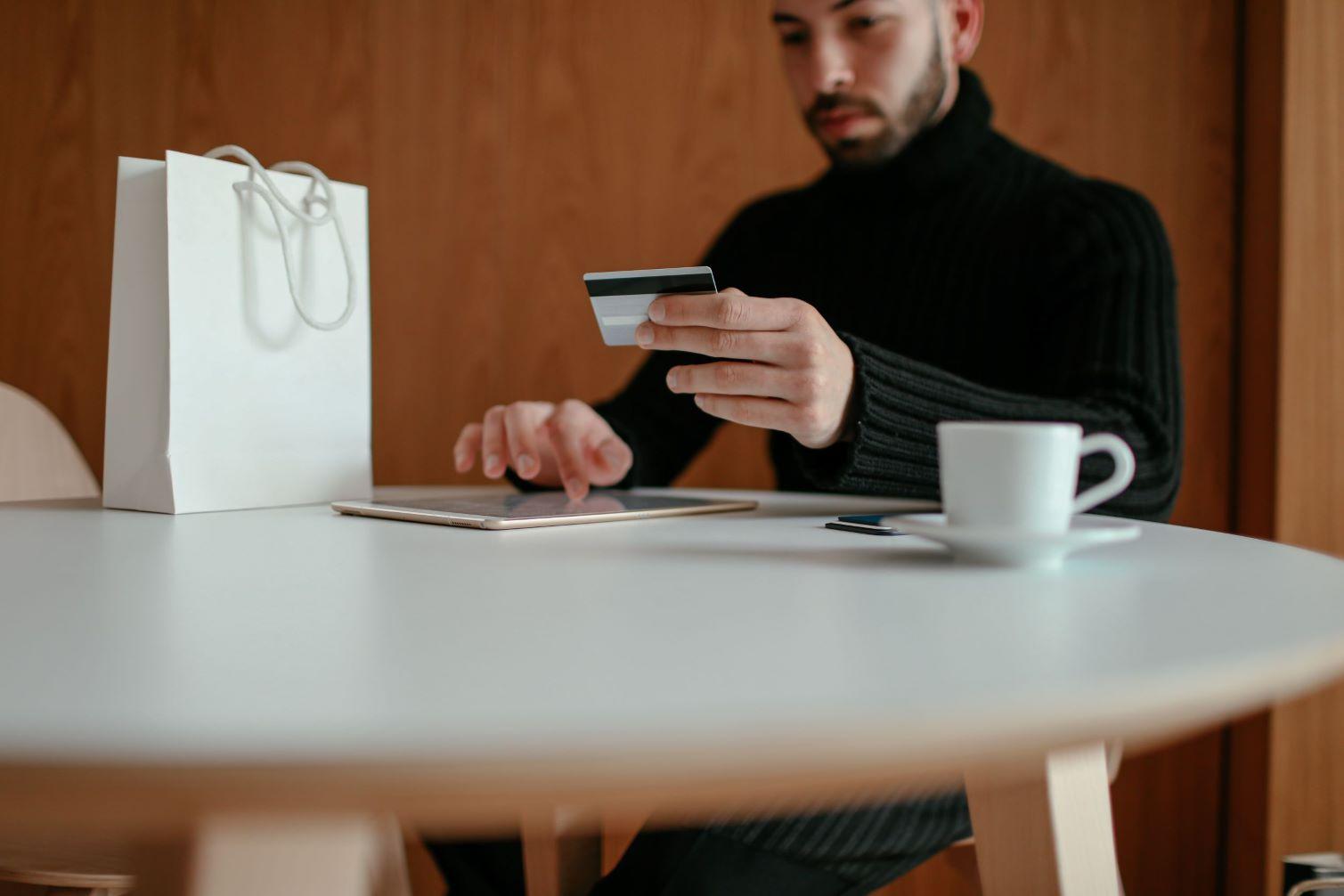 perona comprando en internet